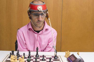 beim Schachspielen mit Unterstützung meines Kopfschreibers